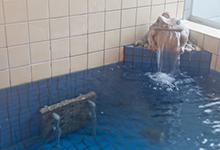天然鉱石風呂で寒い日も湯冷めしない!